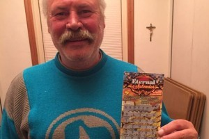 Play Mega Millions onlione and win fantastisc prizes like this guy did in a scratch card lottery